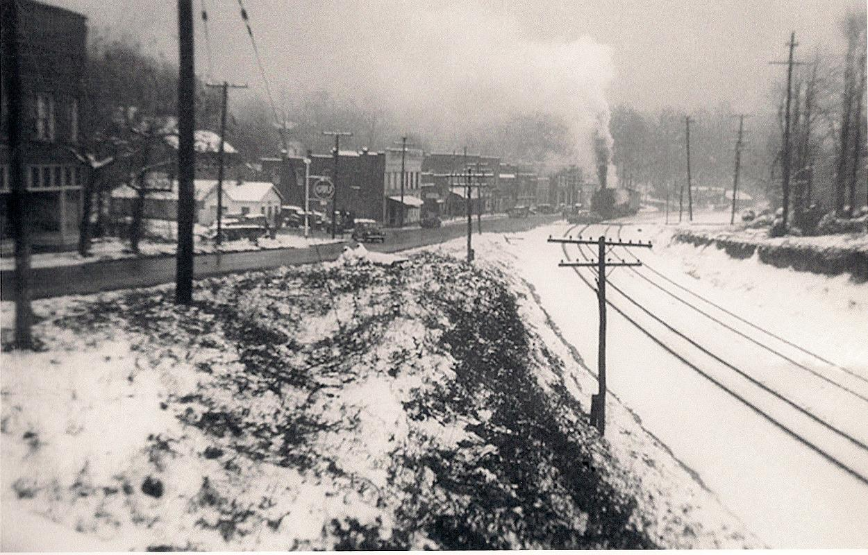 Downtown Saluda in 1977 Snow